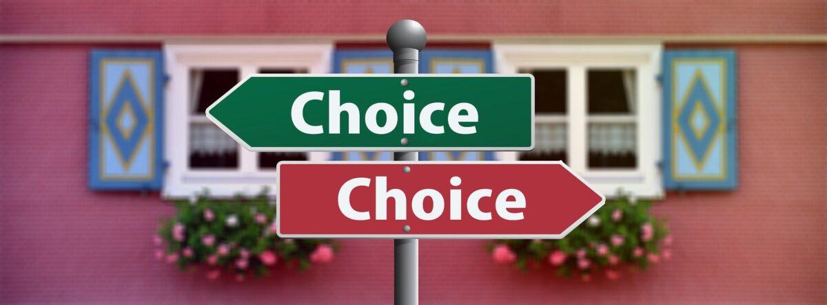 ハウスメーカーに紹介された外構業者や、大手の外構業者を選んでしまう。