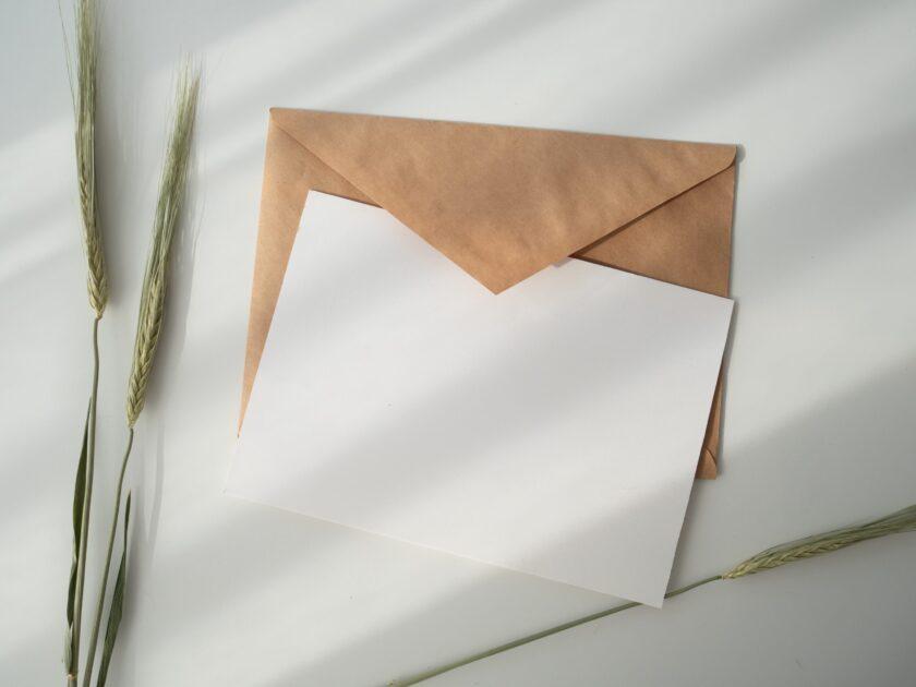 リショップナビからリフォーム業者紹介のメールが届く。