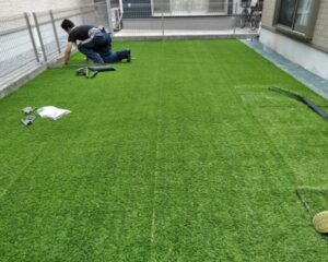 外構 安くする方法 人工芝