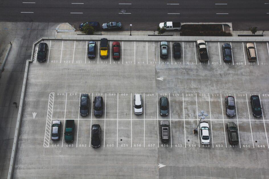 最低限の外構 駐車場 アプローチ